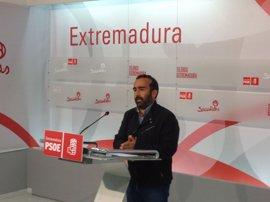 """El PSOE extremeño pide al PP que """"luche conjuntamente"""" con la Junta para pedir al Gobierno que invierta en la región"""