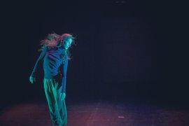 La artista canaria Paula Quintana muestra su obra 'Latente' en la SIT