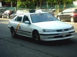 """Espadas ve """"inaceptable"""" el """"espectáculo de determinadas conductas"""" en el sector del taxi"""