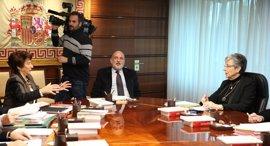Vicepresidenta del TC pide a los partidos que no se 'repartan' las vacantes y respeten a las CCAA