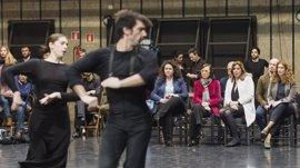 Susana Díaz asiste al ensayo del nuevo montaje que el Ballet Flamenco de Andalucía estrenará en el Festival de Jerez
