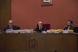 El juez avisó a los abogados durante el retraso de Mas, Rigau y Ortega para llegar al juicio