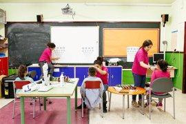 """La Obra Social """"la Caixa"""" atiende en Málaga a casi 8.000 menores en situación o riesgo de exclusión social en 2016"""