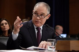 Medio millar de exempleados de Protección Ambiental piden al Senado de EEUU que rechace al nominado por Trump