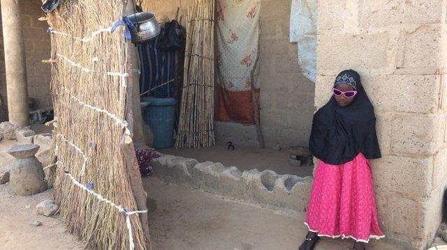Niña separada de su familia en Nigeria