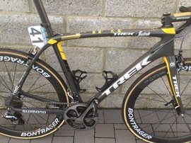 Subastada por 16.100 euros la bici con la que Cancellara disputó su último Tour de Flandes