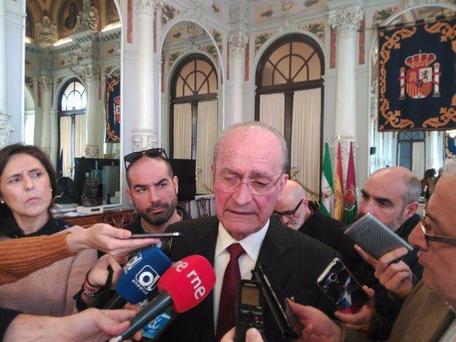 Alcalde canutazo enero 2017 De la Torre Ayuntamiento