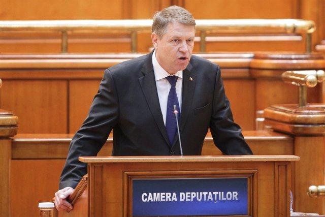 El presidente ruma Klaus Iohannis en el Parlamento