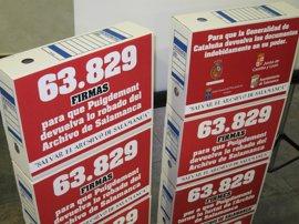 63.829 firmas exigen la devolución de documentos a Salamanca