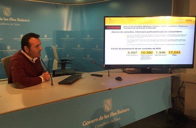 El director general de Consumo, Francesc Dalmau, expone las reclamaciones 2016