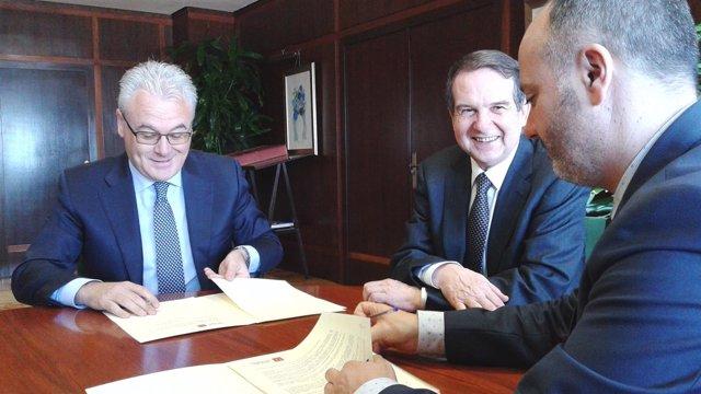 Firma sobre obras de la Grada Río en Vigo