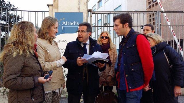 Concejales del PP ante Altadis