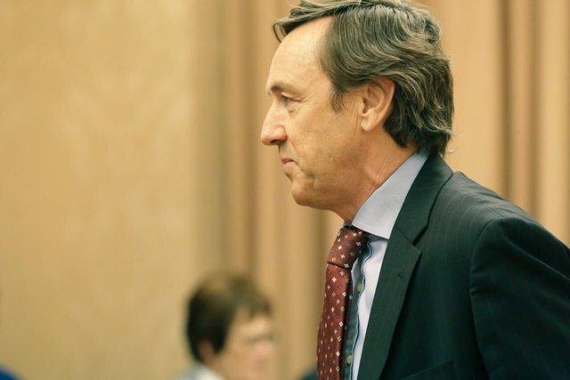 Rafael Hernando en una comisión