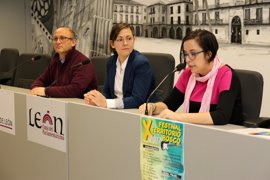El Festival Territorio Bosco de León celebra su décima edición con la actuación de diez grupos