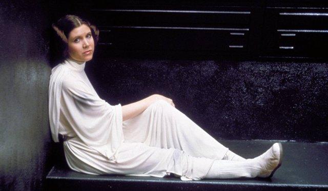 Carrie Fisher caracterizada como la Princesa Leia