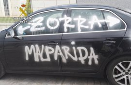 Detenido un menor por hacer pintadas en un coche y fachadas de Sant Jordi que difundía en una red social