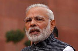 """Modi atribuye la retirada de los billetes grandes a su """"lucha"""" por los pobres de India"""