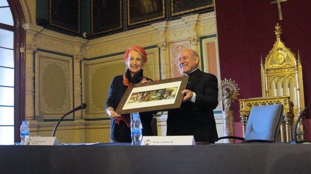 Rosa María Calaf recibe el premio Comunicar en Valores de Arzobispado Zaragoza