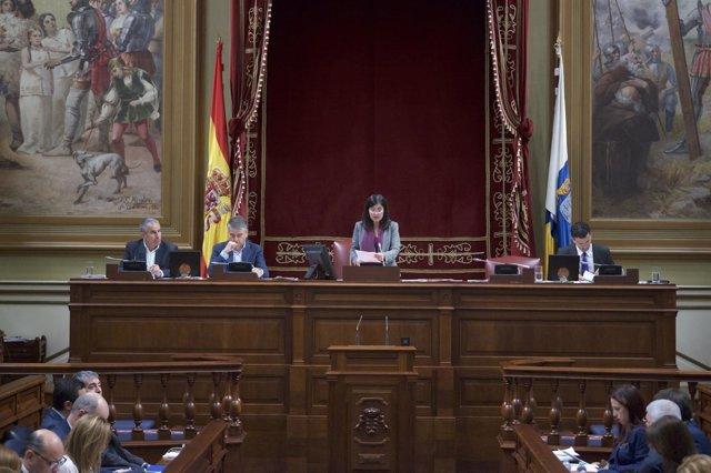 Nota De Prensa +Foto / El Parlamento De Canarias Reconoce La Labor Formativa Y A