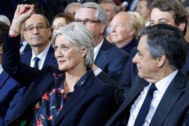 La mujer de Fillon cobró 45.000 euros en finiquitos de la Asamblea Nacional