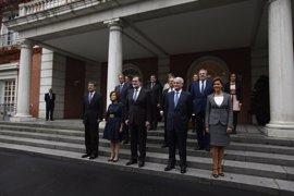 Santamaría lidera el estreno del Gobierno en el CIS, con todos sus miembros lejos del aprobado