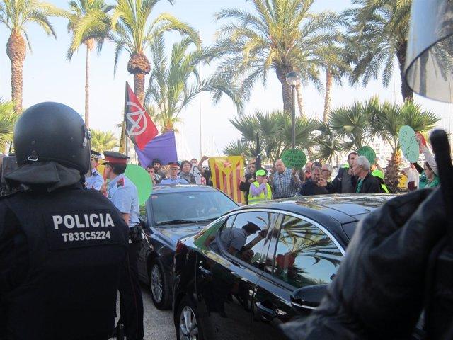 Agresión al coche oficial de C.Montoro en 2014 (Archivo)