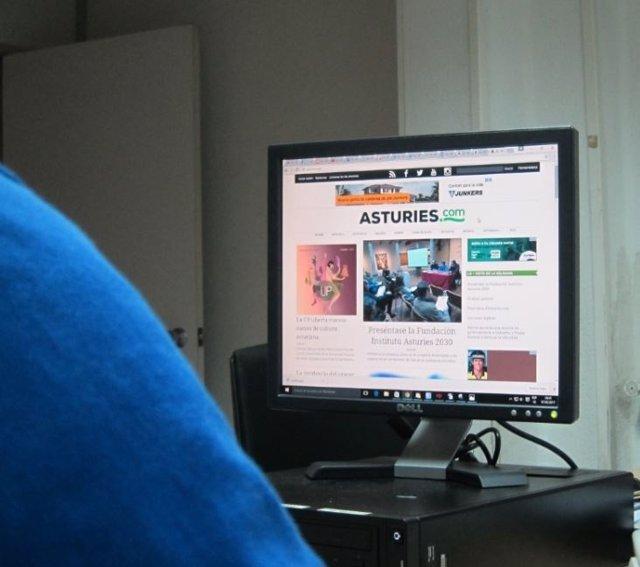 Un llector entra na web d'Asturies.Com