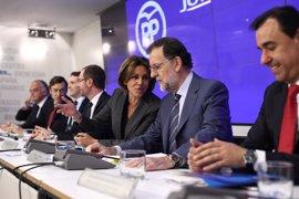 """Cospedal, """"tranquila"""" ante el congreso del PP, defiende que Rajoy tiene derecho a hacer su equipo"""