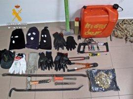 Tres detenidos por el robo de dinero de la caja en una empresa de piensos en Gévora