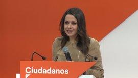 Arrimadas critica a Puigdemont por recordar el juicio del 9N y olvidar los de corrupción