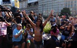El 'tetazo' en Argentina, las imágenes de la protesta