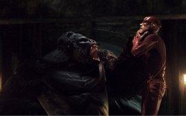 The Flash recibe una inesperada visita de Tierra-2 y prepara su viaje a Gorilla City