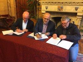 El Consell de Mallorca y el Ayuntamiento de Llucmajor reactivan el convenio del servicio de bomberos