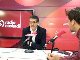 """Patxi López denuncia que Rajoy """"se ofreció como chico de los recados"""" del """"tirano"""" Trump"""