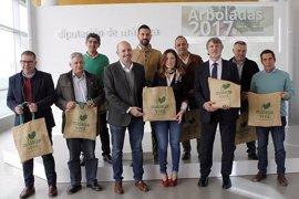 Diputación de Málaga y Unicaja reanudan las plantaciones participativa para recuperar espacios degradados y zonas verdes