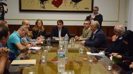 Ayuntamiento y Gobierno regional acuerdan implantar la tarifa única del taxi en Santa Cruz de Tenerife