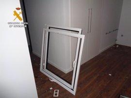 Detenidos 'in fraganti' dos hombres de Logroño por el robo de ventanas de aluminio en Lardero