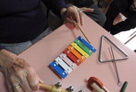 La musicoterapia reduce la ansiedad y el estrés en pacientes con Alzheimer leve