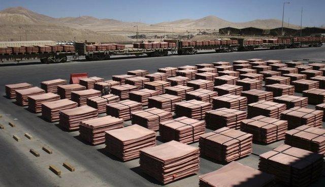 Planchas de cobre al interior de la mina chilena La Escondida