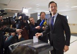 Las autoridades holandesas no verificaron las firmas que activaron el referéndum de 2016
