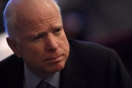 """Trump afea a McCain que hable de """"fracaso"""" en Yemen porque """"alienta al enemigo"""""""