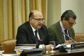 El PP evita que el Parlamento ordene sancionarle por recibir una donación 'fantasma' de 186.000 euros