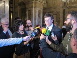 El Parlament pide al Govern cerrar la Modelo en 2017 y garantizar los puestos de trabajo