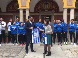 La Junta renueva su respaldo al Fundación Cajasol Sporting Club de Huelva con un patrocinio para esta temporada