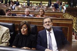 PSOE e IU piden cuentas a Rajoy y Santamaría en el Congreso de la conversación con Trump