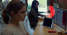 Emma Watson, vigilada en el nuevo tráiler de The Circle