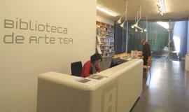 La Biblioteca de Arte del TEA incrementa sus fondos con un centenar de libros