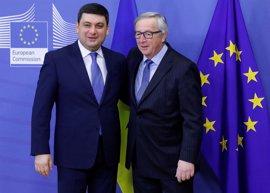 """Juncker dice que UE eliminará visados para ucranianos """"antes de verano"""""""