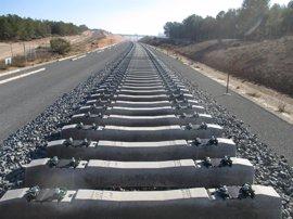 Comienza el montaje de carril en la variante de Camarillas, que acortará el trazado en casi 18 km
