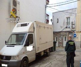 Investigan el robo de embutidos en Torrejoncillo vendidos en Madrid